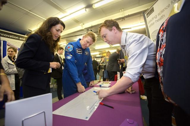 Tim Peake visits Harwell